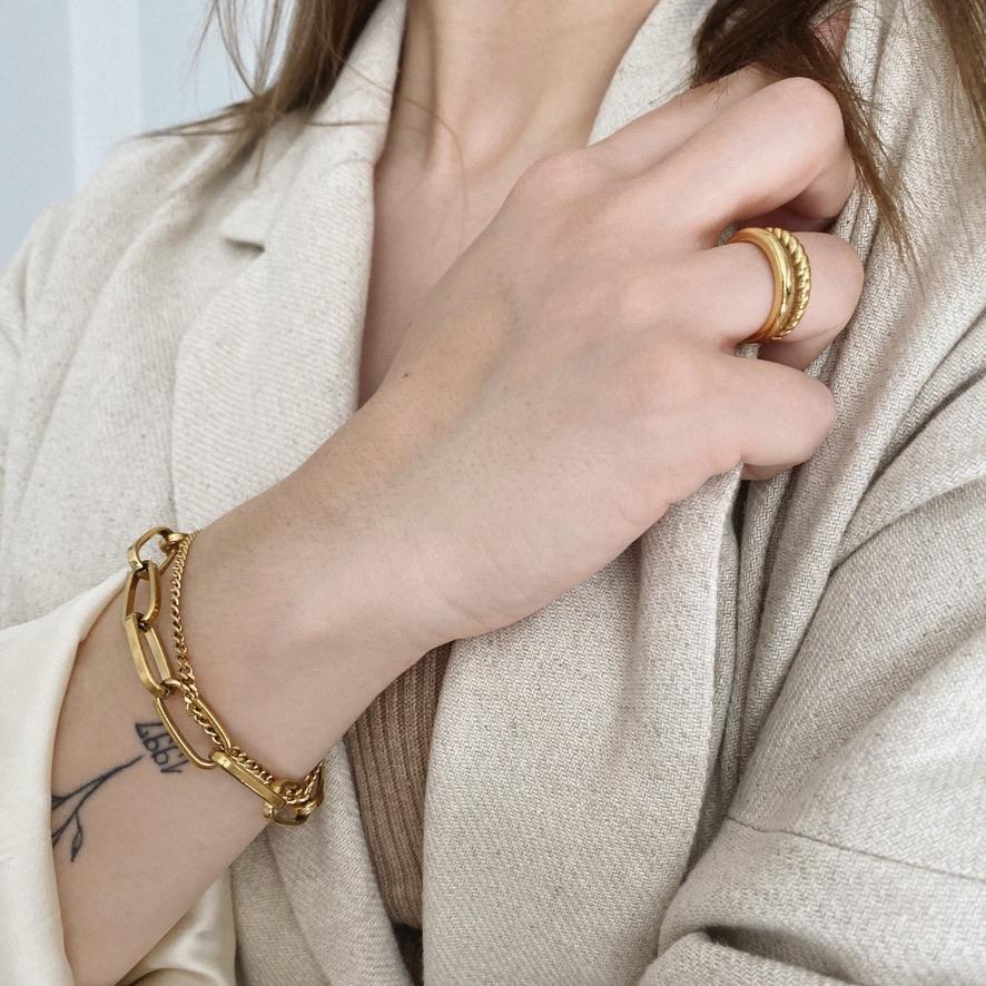 Gwen Ring Gold
