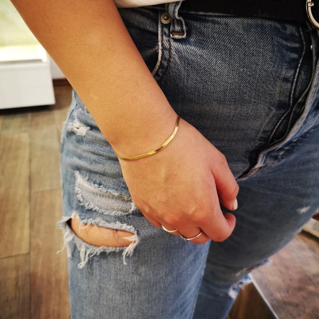 Sleek Armband